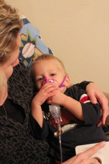 toddler breathing treatment