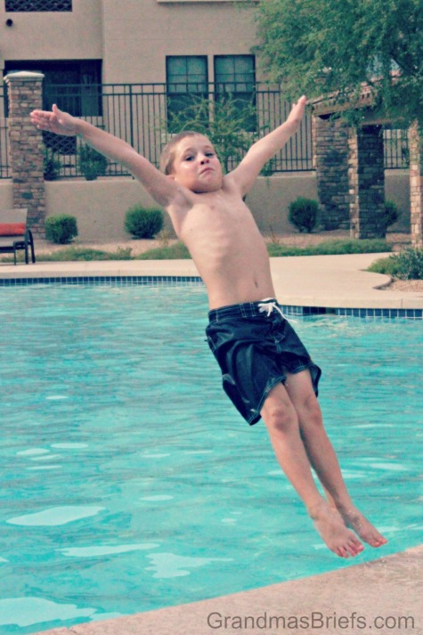 backsplash into pool