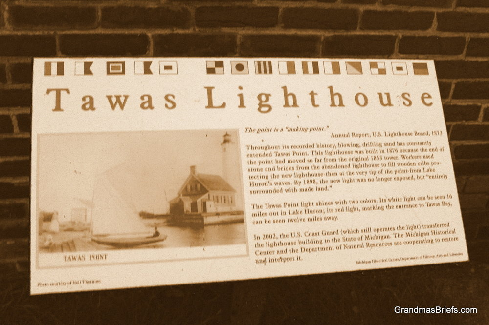 about tawas point lighthouse