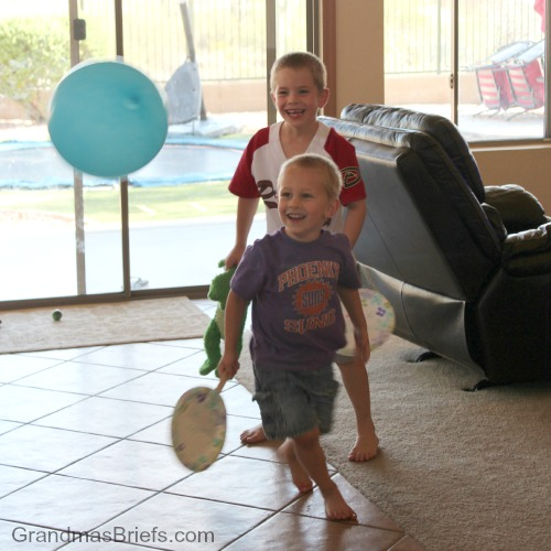 balloon pong