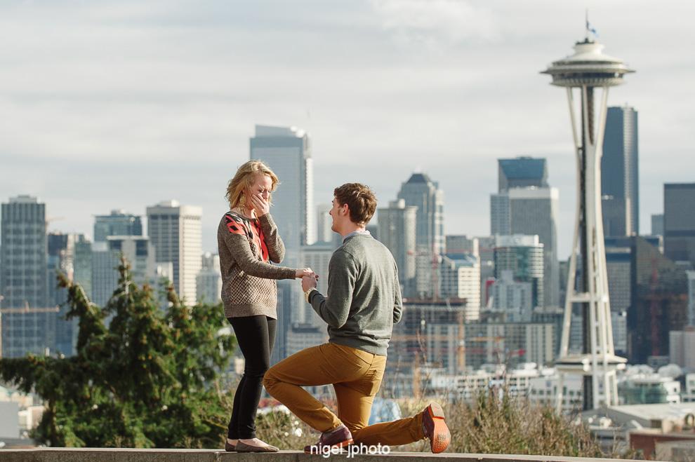Surprise Engagement Portrait Session Kerry Park Seattle And Pike Place Nigel J Photo