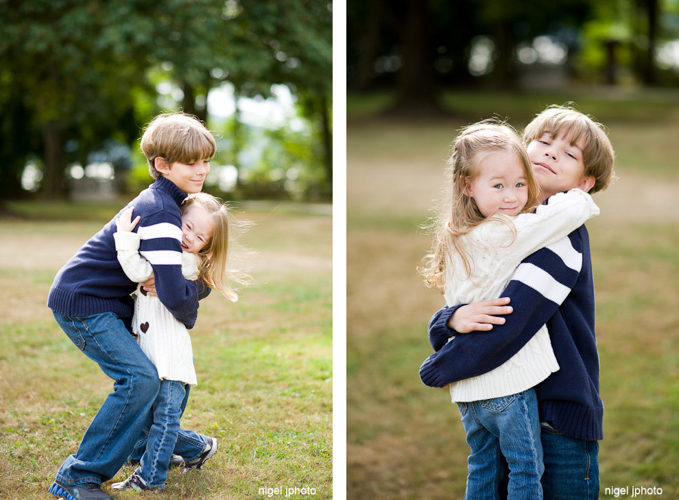 older-brother-playing-with-sister-seattle-eastside-family-photography.jpg