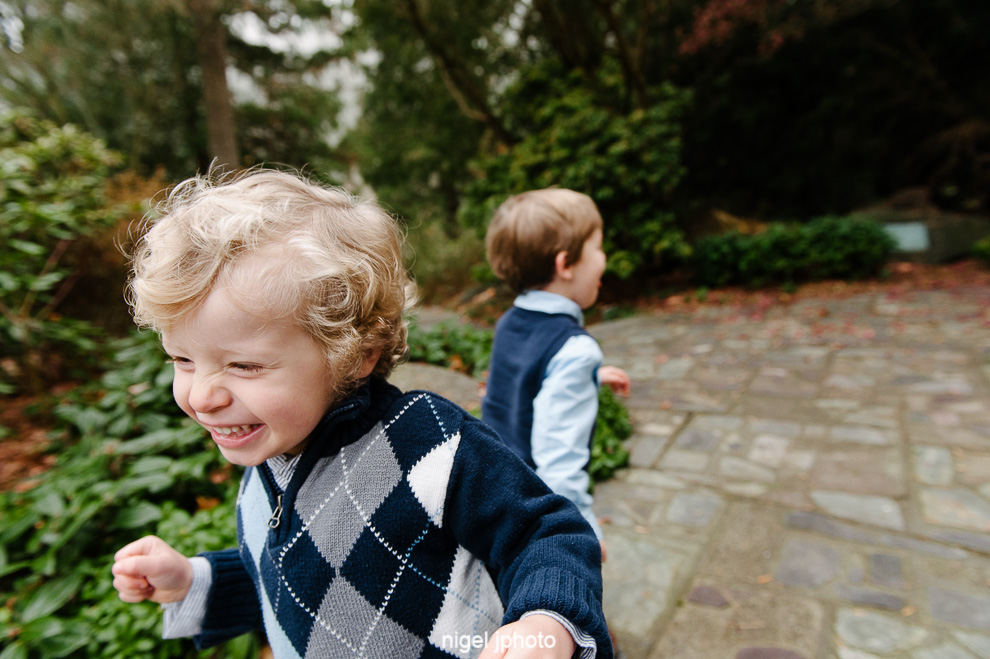 twin-4-year-old-boys-running-seattle-eastside-family-photos.jpg