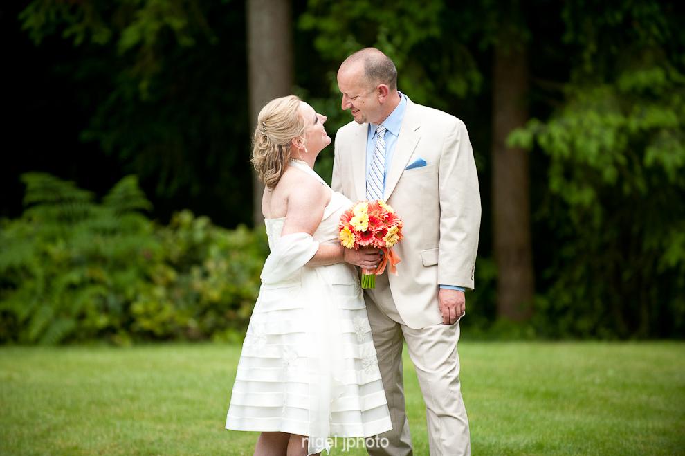 portrait-wedding-couple-green-grass-seattle-2.jpg