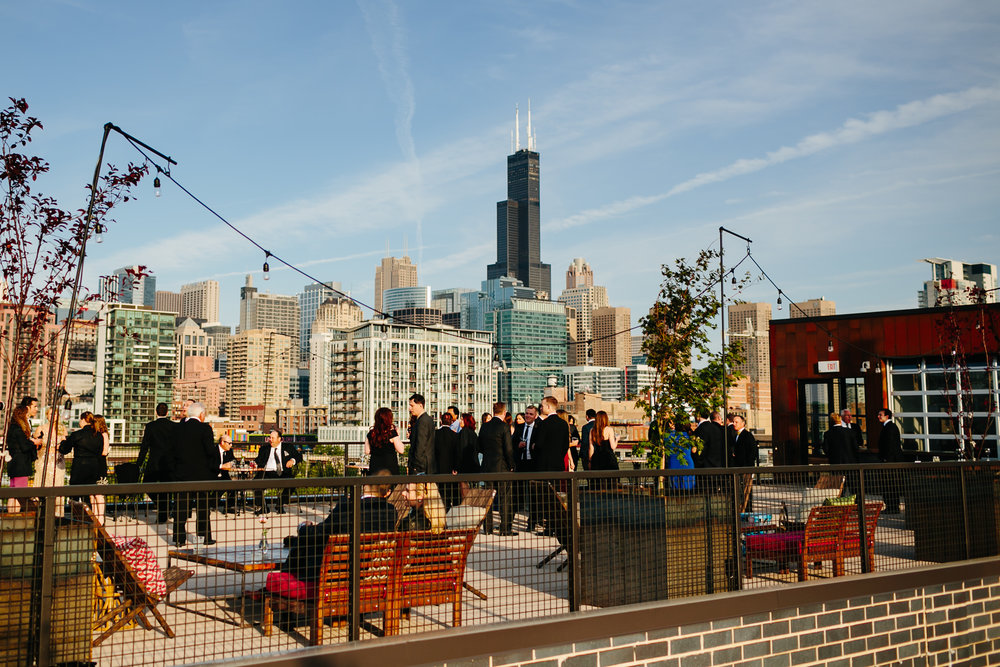 morgan-manufacturing-chicago-rooftop-wedding-photos-chicago-wedding-photographer-pen-carlson.jpg