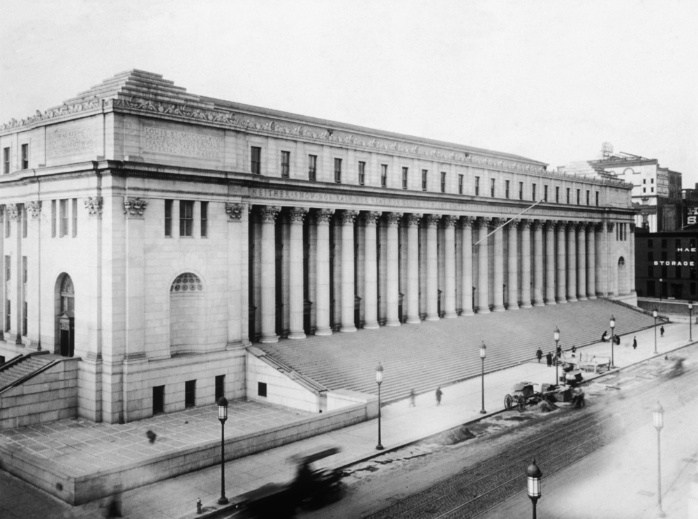 Circa 1915:  Exterior view of the General Post Office on 8th Avenue at 34th Street, which still stands just five short blocks from my studio.