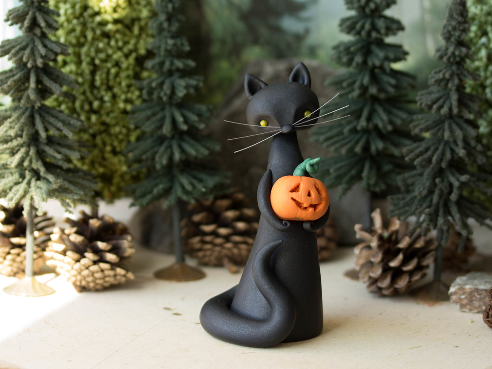 Black Cat with Jack'o'Lantern