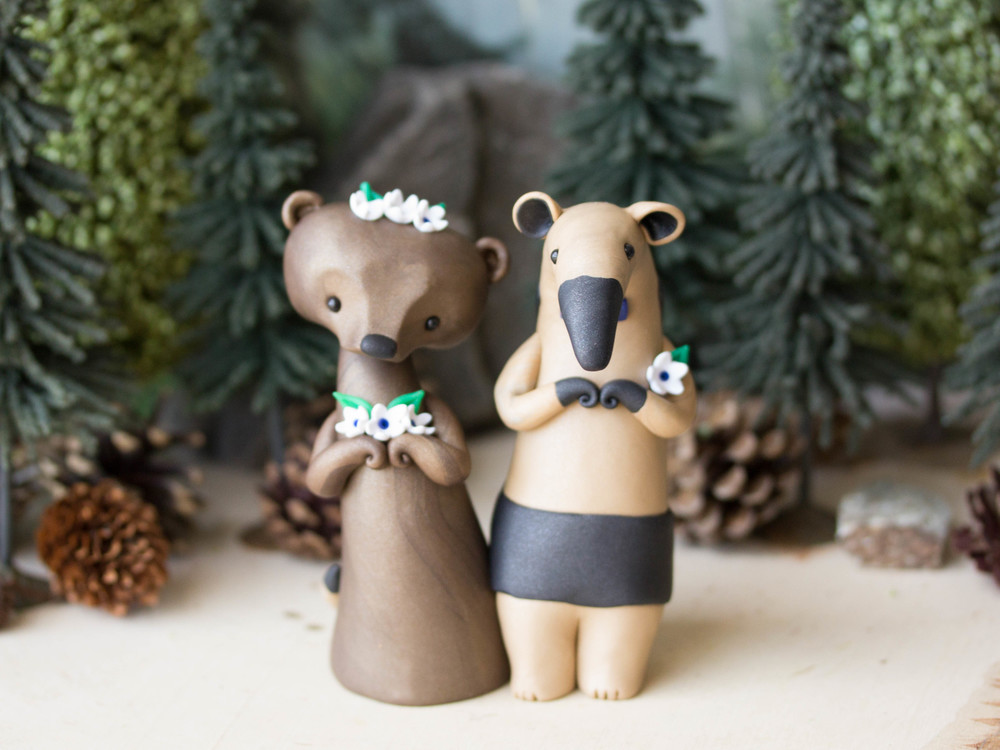 Brown Bear & Tamandua Anteater Wedding