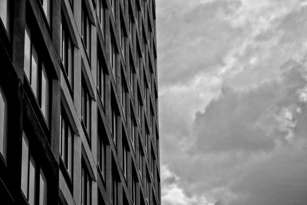 BW Squares© UXCine.jpg