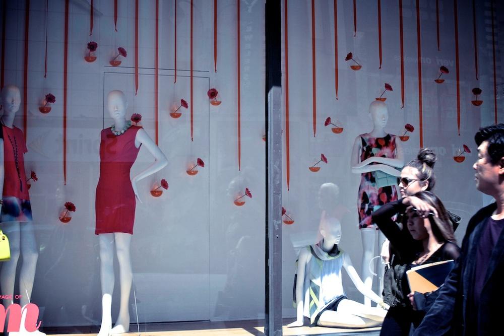 FashionWindow© UXCine.jpg
