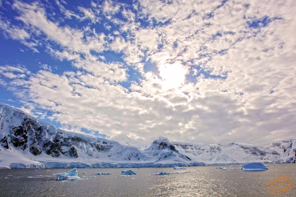 Antarctica_view_1.jpg