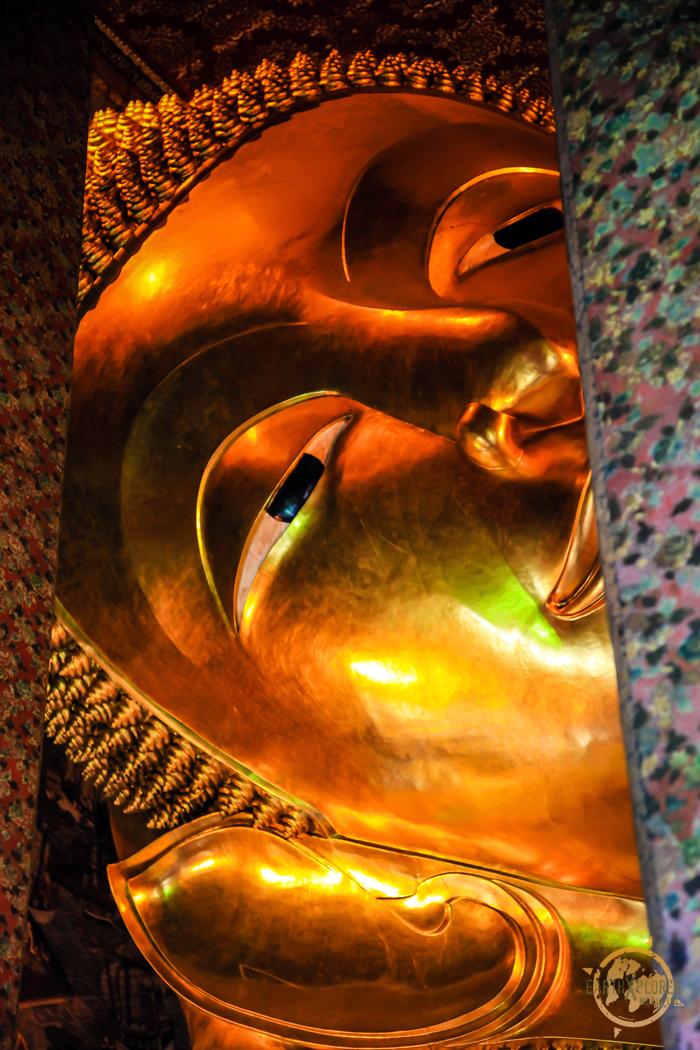 Reclining Buddha Wat Pho Bangkok 3.jpg