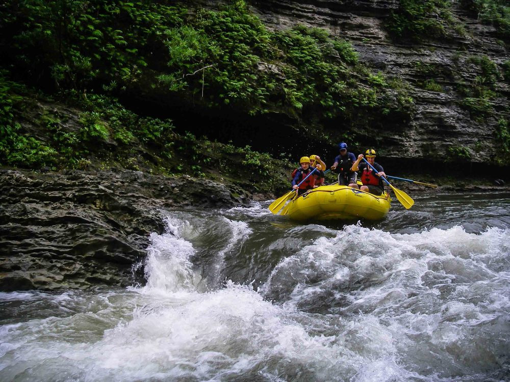 Rafting_Fiji-2.jpg
