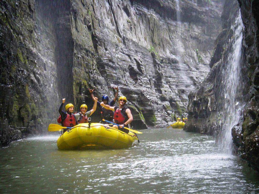 Rafting_Fiji-11.jpg