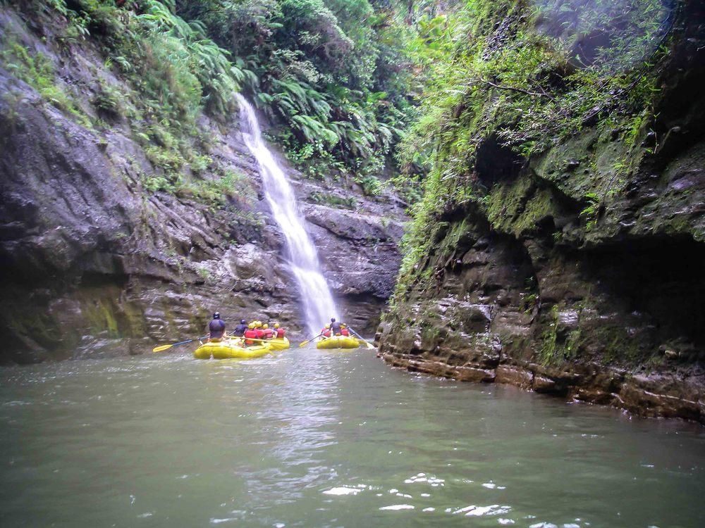 Rafting_Fiji-13.jpg