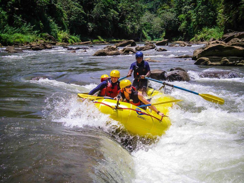 Rafting_Fiji-20.jpg