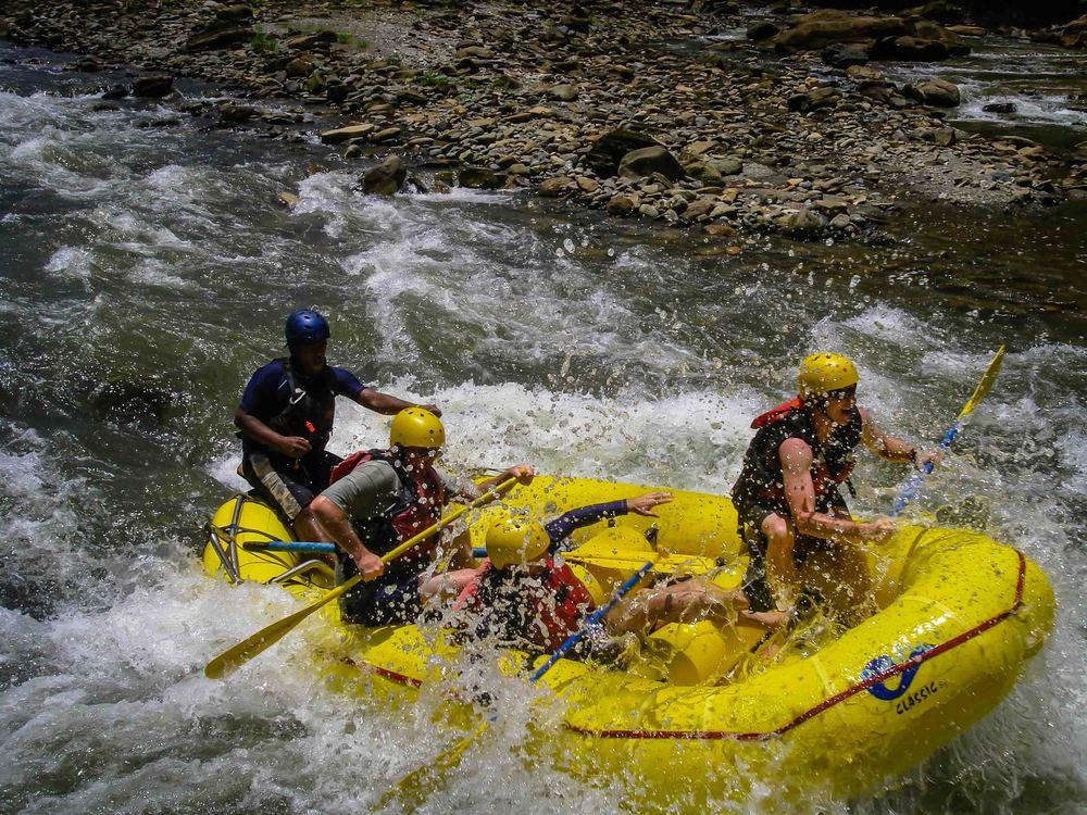 Rafting_Fiji-25.jpg