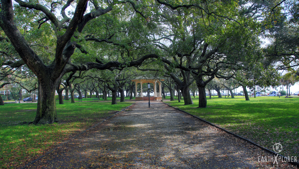 White Point Gardens Charleston, SC.jpg