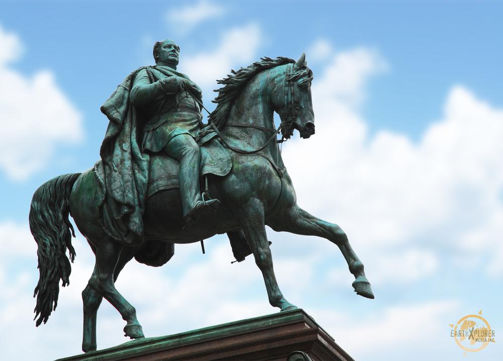 Friedrich Wilhelm Statue