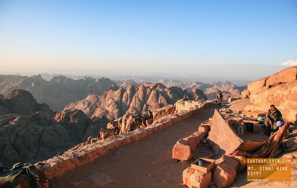Mt Sinai Selling goods at top Egypt.jpg