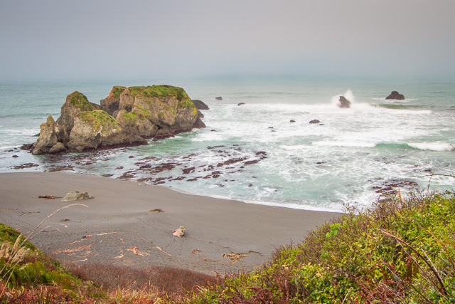 Coastline from Highway 1 north of Fort Bragg, California, Canon 7D with Canon EF-S 10-22mm @ 22mm, 0.8s @ f/16, ISO 100