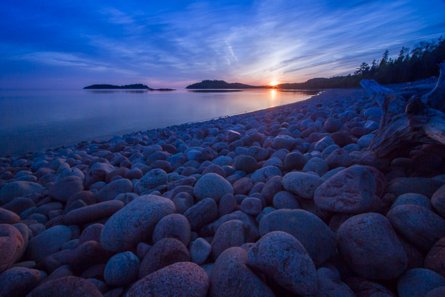 Gargantua Bay, Lake Superior Provincial Park, Ontario, Canon 7D with Canon EF-S 10-22mm @ 10mm, 1/8s @ f/22, ISO 100