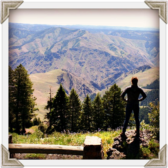 Hells_Canyon_Overlook_1.jpg