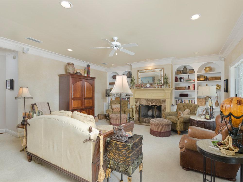 Living Room_RLT0646.jpg