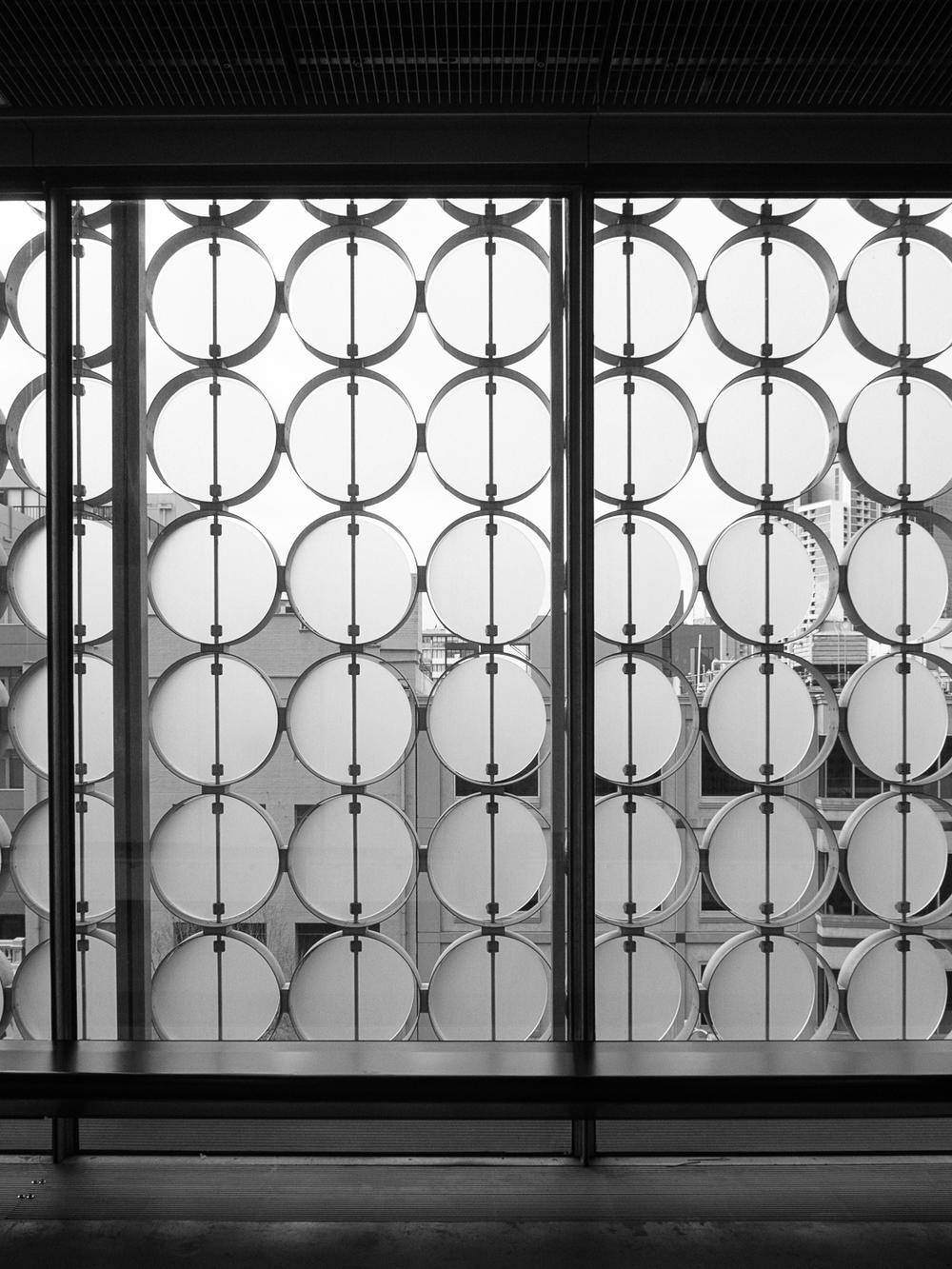 RMIT Design Hub - Glass panel detail