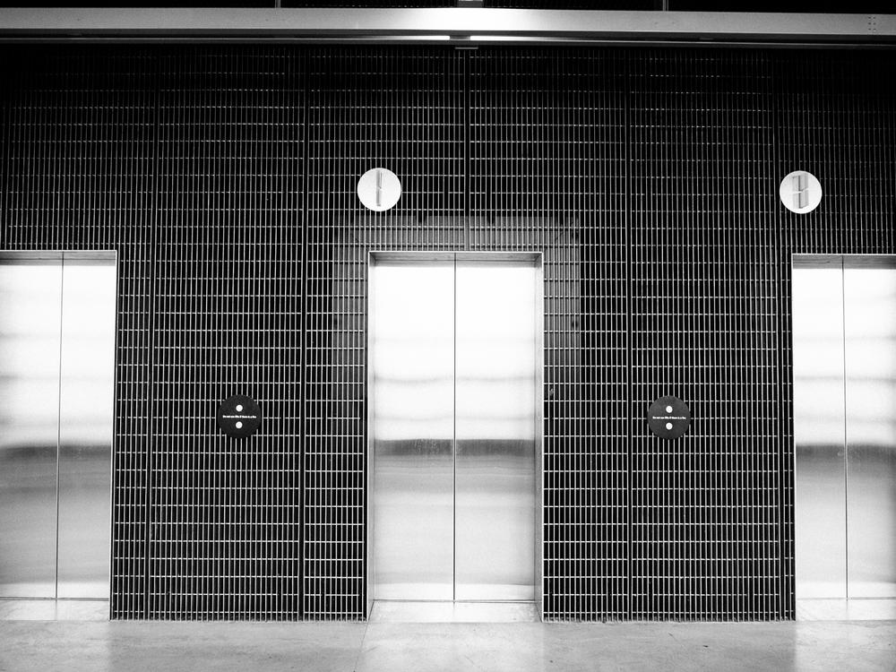 RMIT Design Hub - Lift  bank