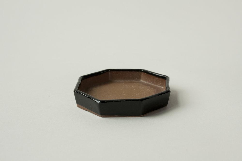 "674. octagonal dish | 4.5"" x 1"""