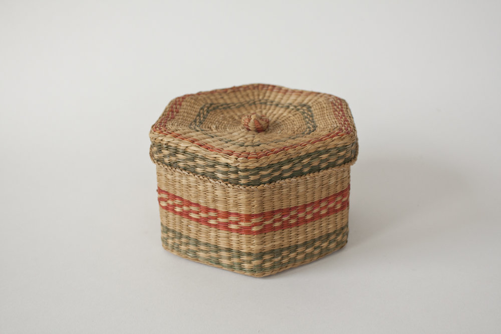"lidded pattern basket | 6.25"" x 3.5"""