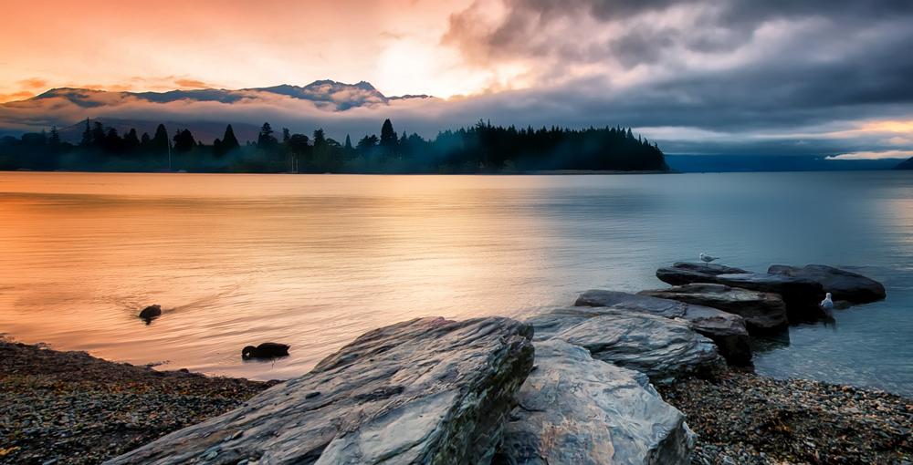 Elle-Bruce---Morning-Light-Across-a-New-Zealand-Lake-20130602-1000.jpg