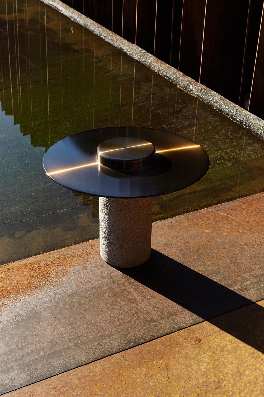 Canotier table — Photo courtesy of Roche Bobois