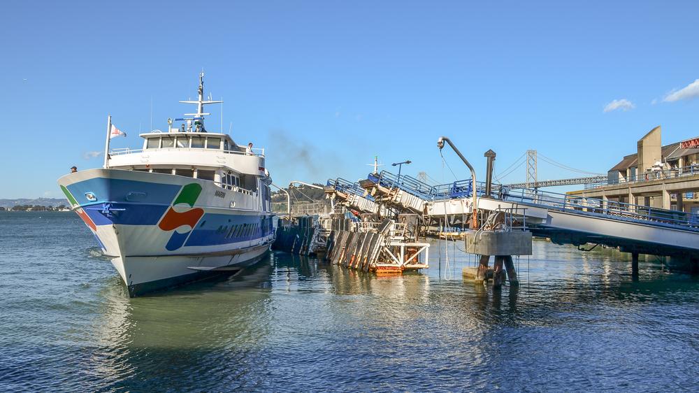 sf_embarcadero_boat_041613.jpg