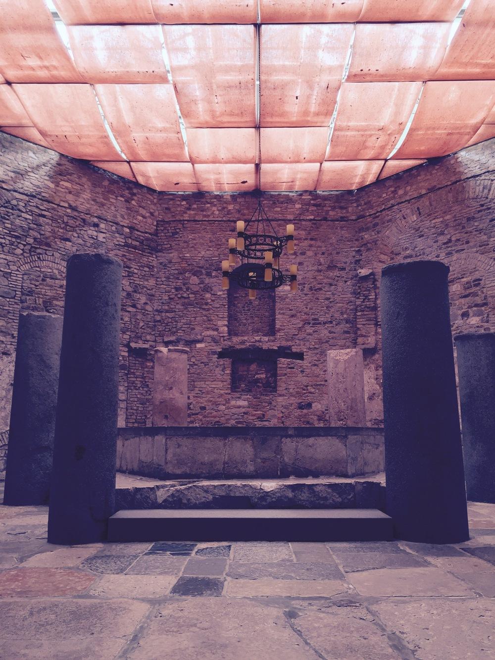 Aquileia_Baptistery_1.jpg