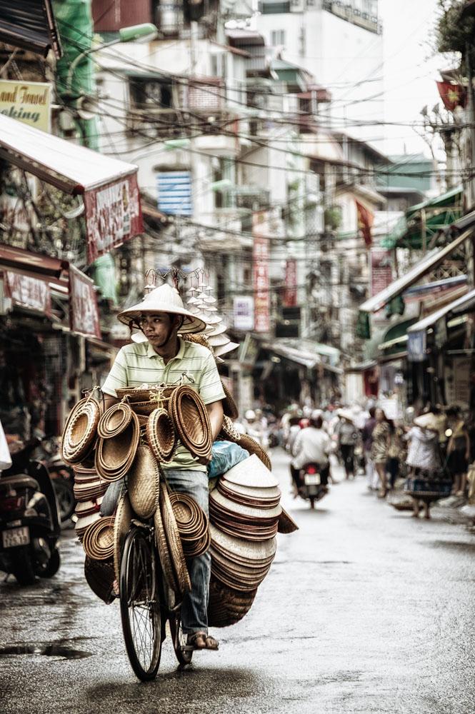 tourist peddler in Hanoi