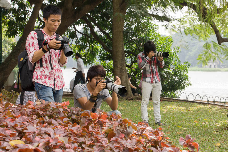 Photographers around Hoan Kiem Lake