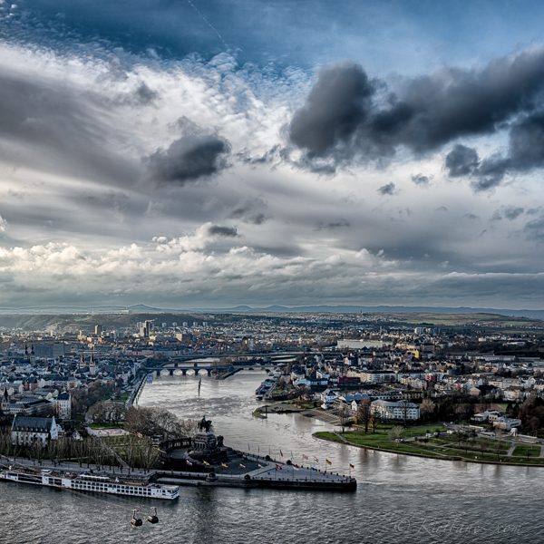Deutsches Eck, close caption of Mosel and Rhine joining