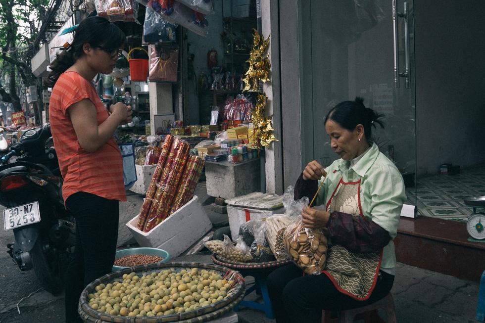 20140419_DSC1620-wet-market-food-Hanoi-travel-photography.jpg