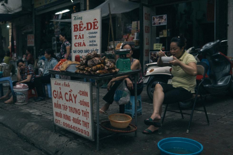 20140419_DSC1622-wet-market-food-Hanoi-travel-photography.jpg