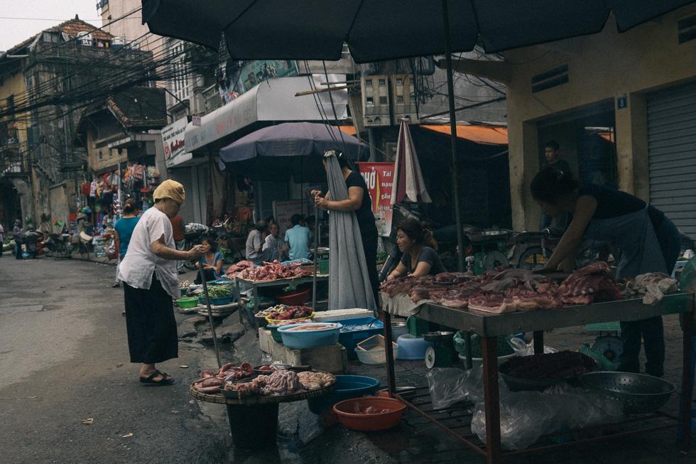 20140419_DSC1632-wet-market-food-Hanoi-travel-photography.jpg