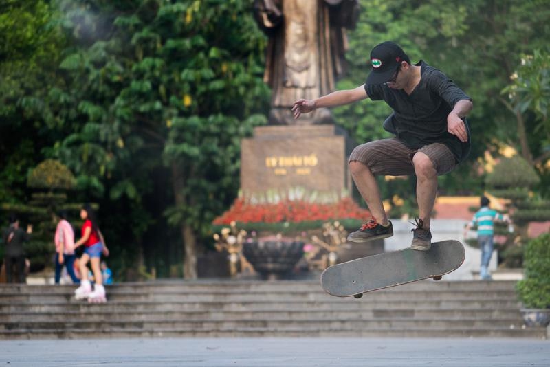 _DSC9624-Edit-skating-Hanoi-Vietnam-500mm.jpg