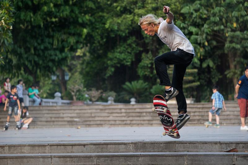 _DSC9656-Edit-skating-Hanoi-Vietnam-500mm.jpg