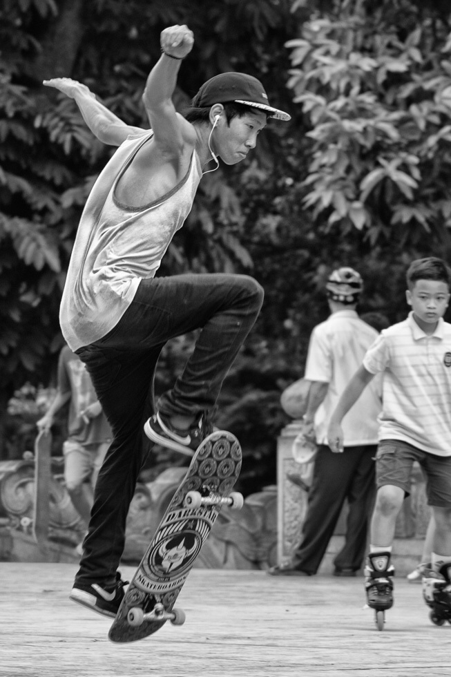 skater at the Tho Ly park