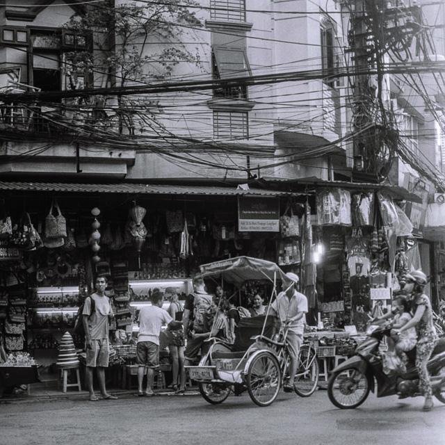201408061727000003-Hasselblad_b-w_Hanoi-Lab.jpg