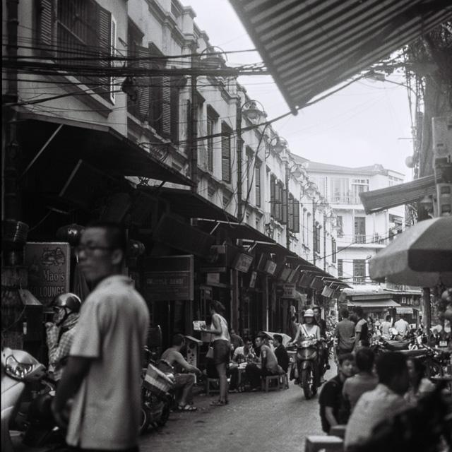 201408061745000008-Hasselblad_b-w_Hanoi-Lab.jpg