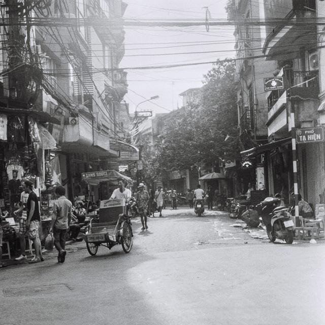 201408061724000001-Hasselblad_b-w_Hanoi-Lab.jpg