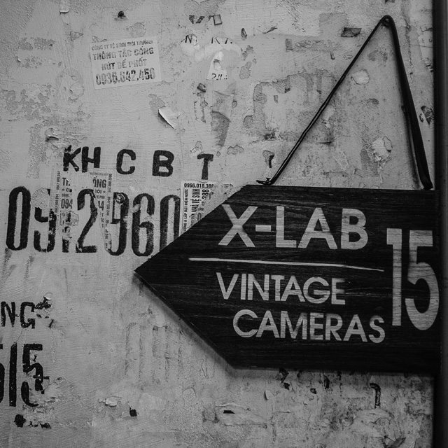 201408061824DSCF1190-Hasselblad_b-w_Hanoi-Lab.jpg