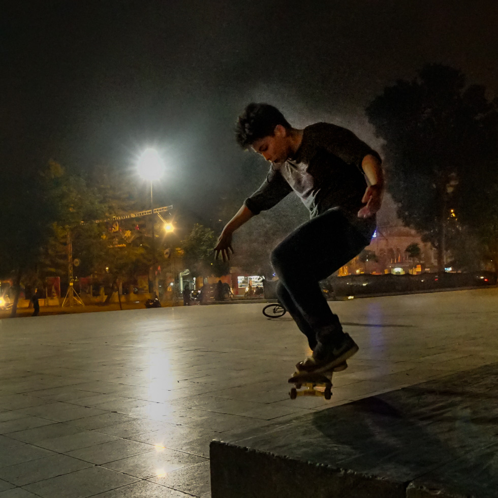 Backlight on a skater